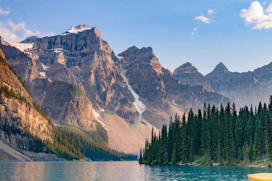 Moraine-Lake-Banff-National-Park-Canada.jpg