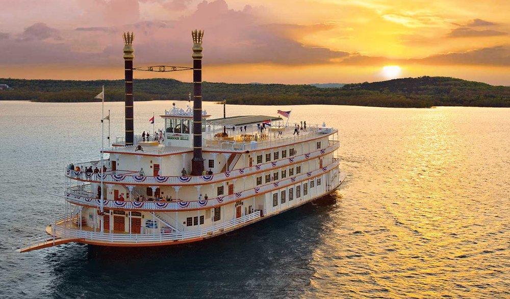 showboatbransonbelle-2018hero-boatfront.jpg