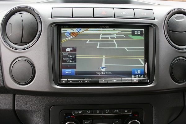 The high resolution 8 inch touch screen makes navigation easier and safer for the driver with large, clear images.