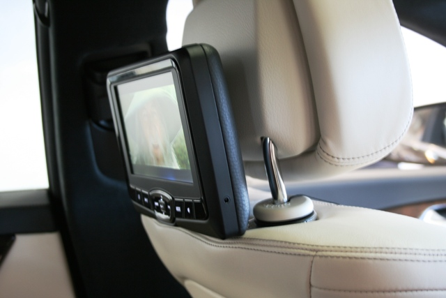 Adjustable post mounts allow the screen to be tilted to the ideal viewing angle.
