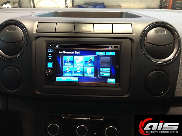 The easy to read display fits perfectly with the Alpine dash kit.