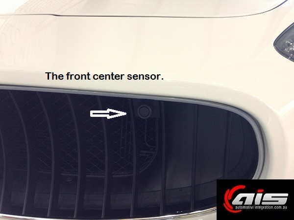 The center sensors are almost invisible.