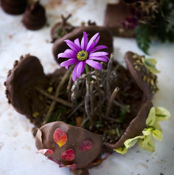 ADOC Clay flower 20120115_0204_1.jpg