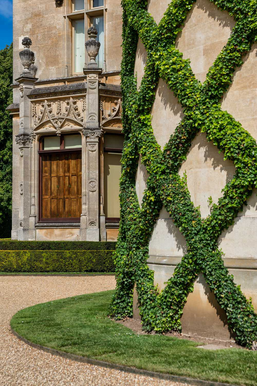 waddesdon topiary