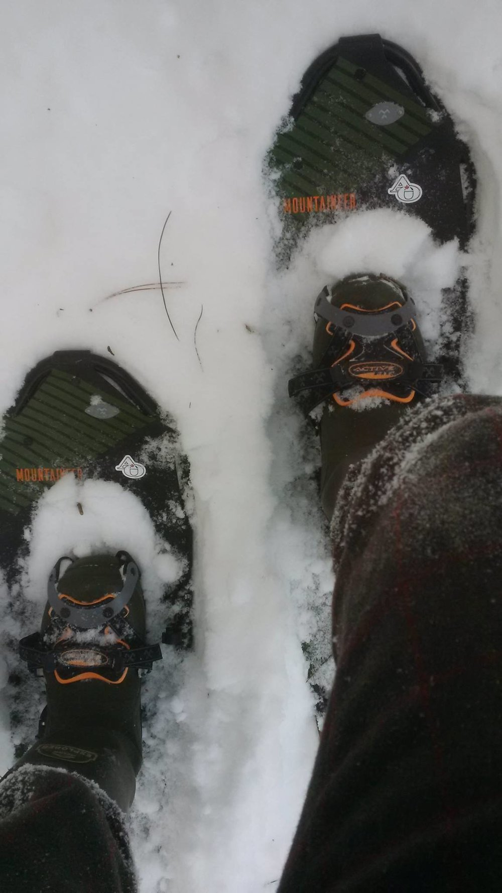 Getting incredible float on the Tubbs Mountaineer snowshoes! Cold, bright and beautiful day out there! #AlgonquinOutfitters @ TubbsSnowshoes