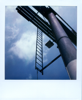 Polaroid_SX70_XczL84_03.jpg