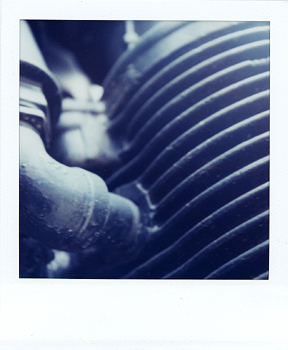 Polaroid_SX70_07_Engine.jpg