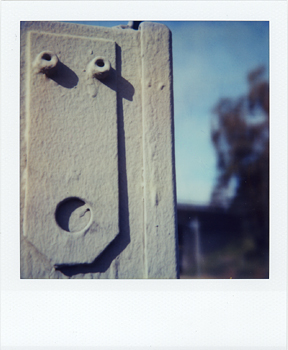Polaroid_SX70_17_Ohhh.jpg