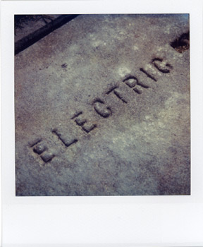 Polaroid_SX70_02_Electric.jpg