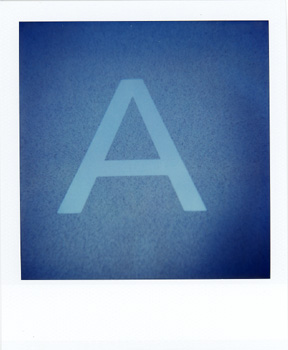 Polaroid_SX70_27_A.jpg
