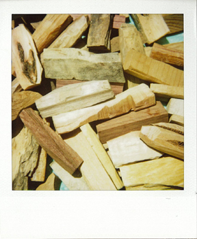 Polaroid_SX70_600_1_wood.jpg.jpg