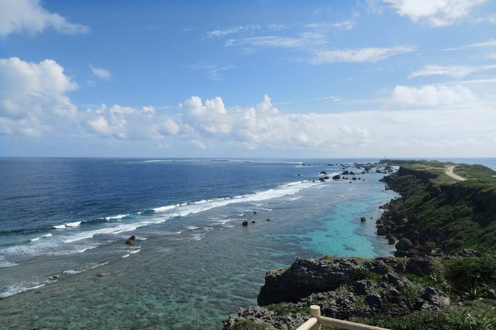 Higashi-henna Coast (東平安名岬)