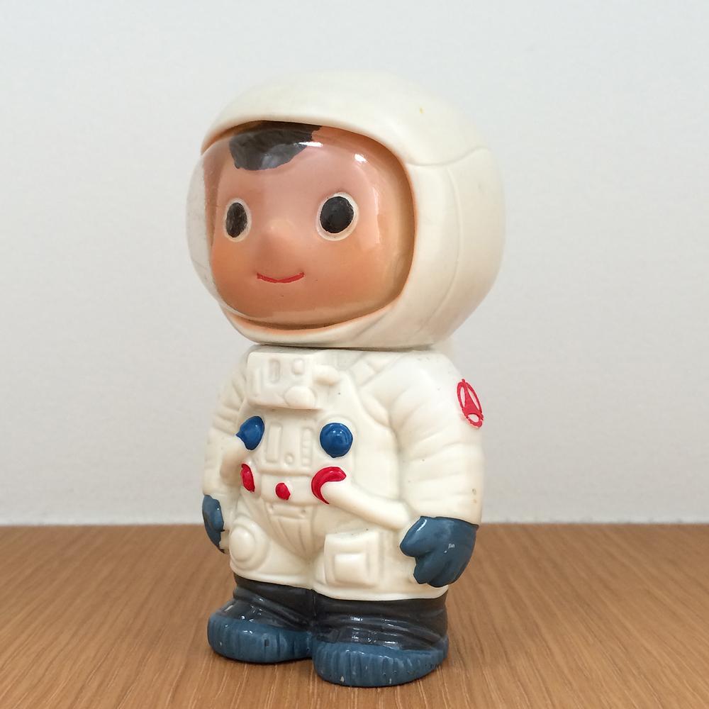 "Boku-chan - Apollo Astronaut Coin Bank   Fuji Bank (1962-1969)  富士銀行のぼくちゃん  3.9"" Tall (100mm)"