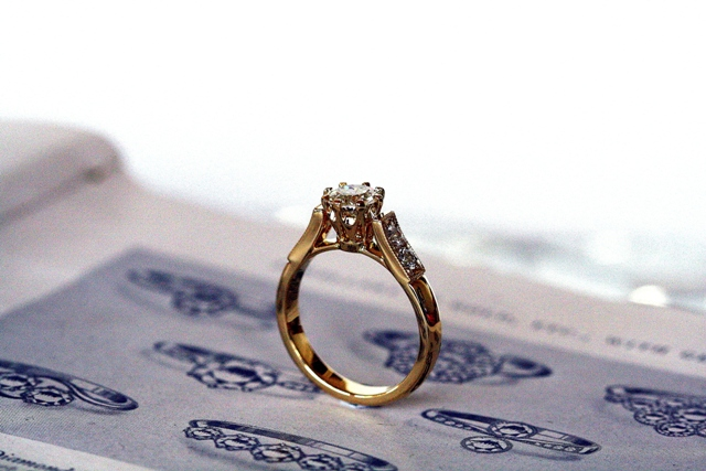 Diamond_8claw_Engagement_ring_5.jpg
