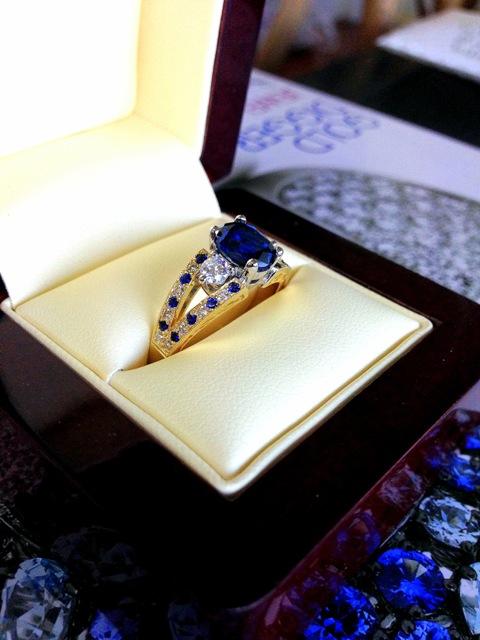 Sapphire_Diamond_eternity_ring_1.jpg