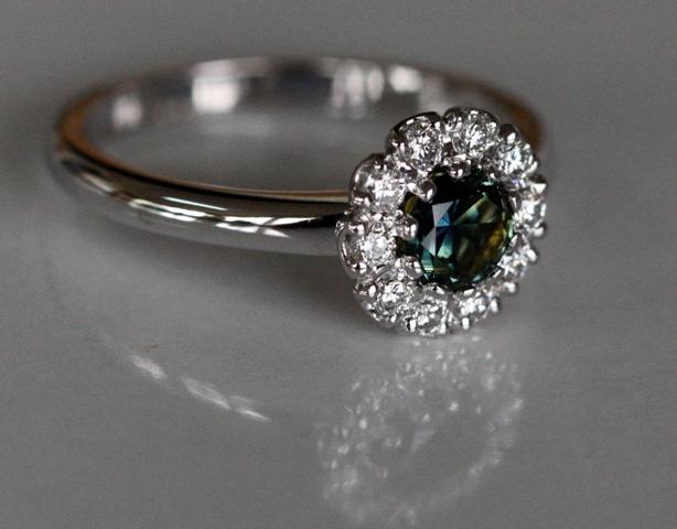 Sapphire_Cluster_ring_etsy.jpg