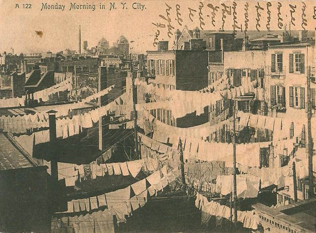New York City, 1907. An awesome picture of labour and laundry!