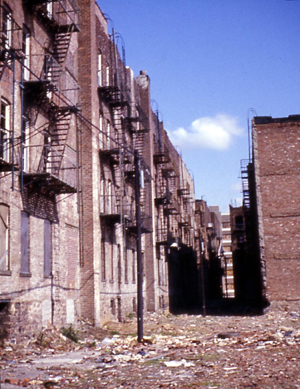 197303005.jpg