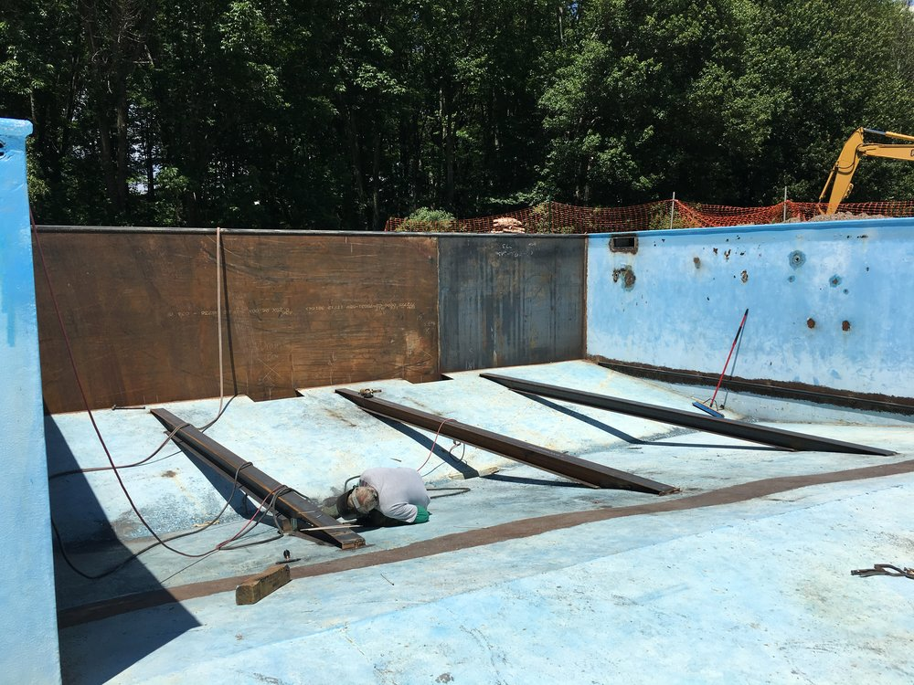 steel support beams for deep end floor plates