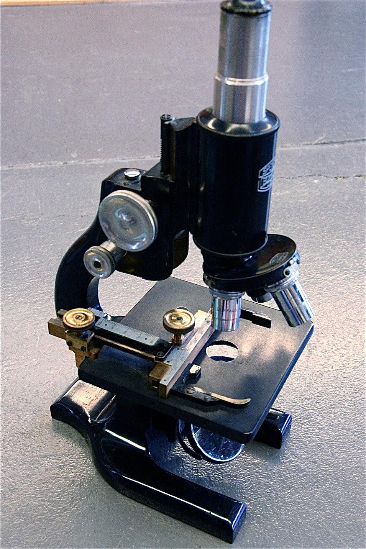 """Vintage """"Spencer"""" Ernst Leitz Wetzlar Microscope"""
