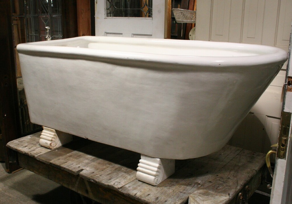 Antique Ceramic 5 1/2' Tub with Marble Feet