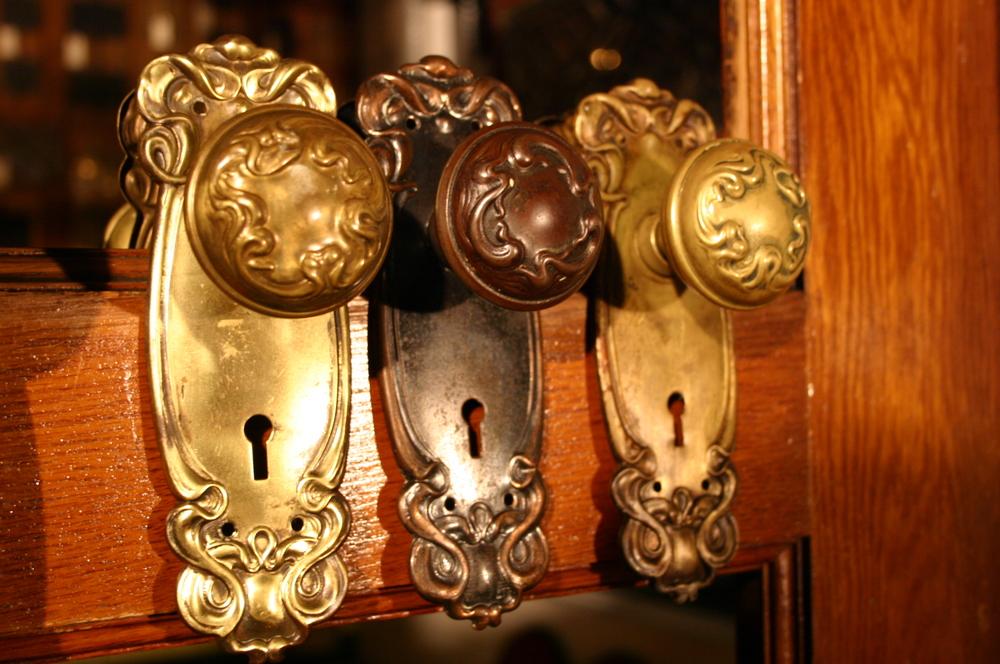 Art Nouveau Knob Sets