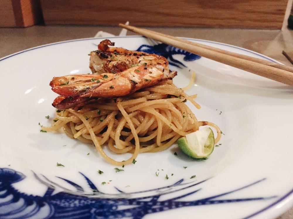 Willin's Singapore Noodles - Hokkien mee. King prawn.