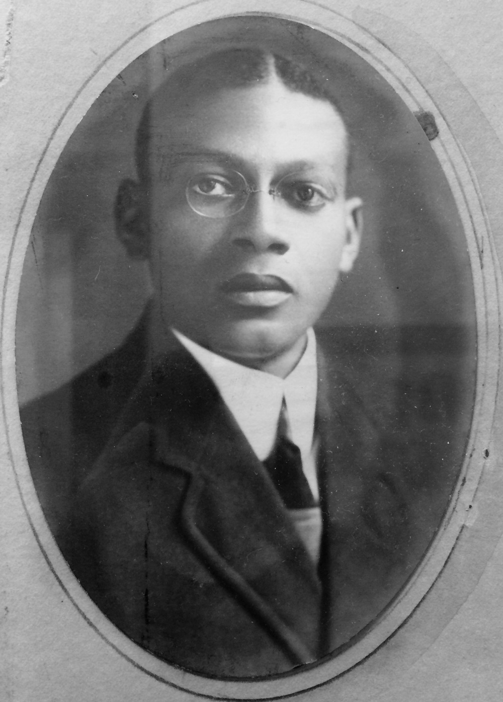 Robert L. Bailey (1912). Photo credit: Indiana University, Robert H. McKinney School of Law.