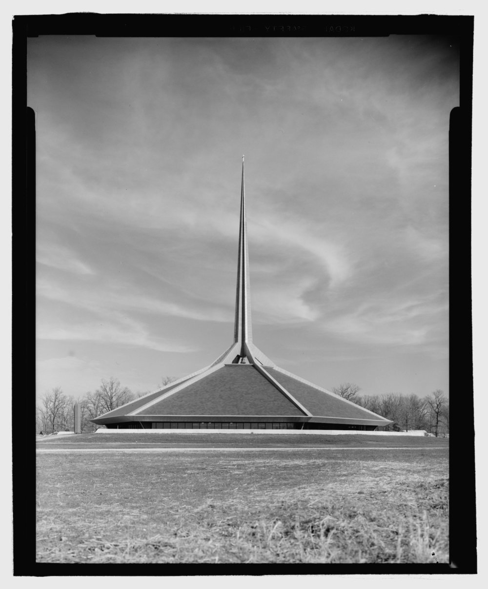 North Christian Church, Columbus, Ind. (ca. 1960). Image via Library of Congress.