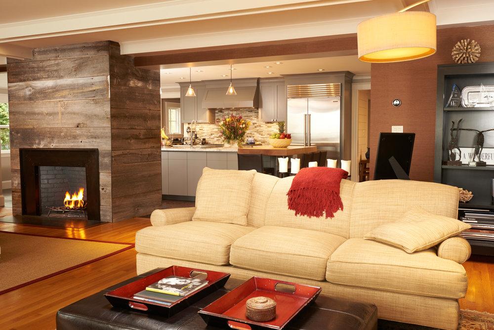 Marblehead Livingroom-kitchen.jpg