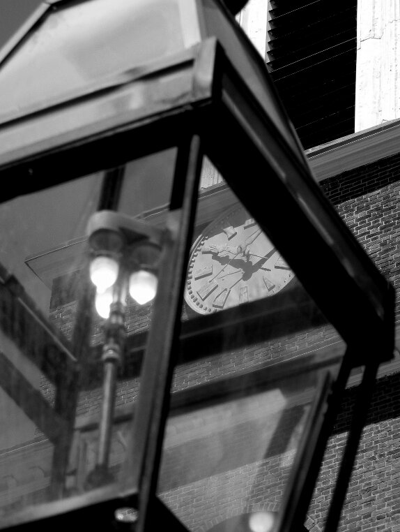street lamp, clock, Beacon Hill, Charles street meeting house, street light