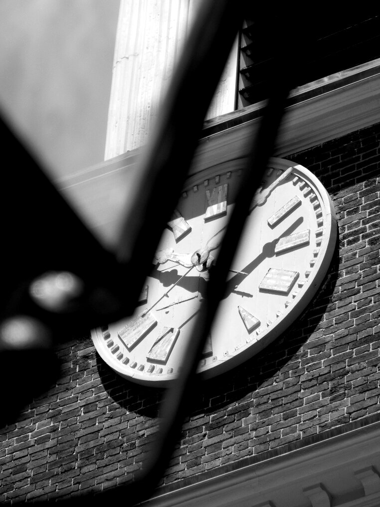 Clock, streetlight, brick, brick wall, Beacon hill, meeting house, Arogpoint