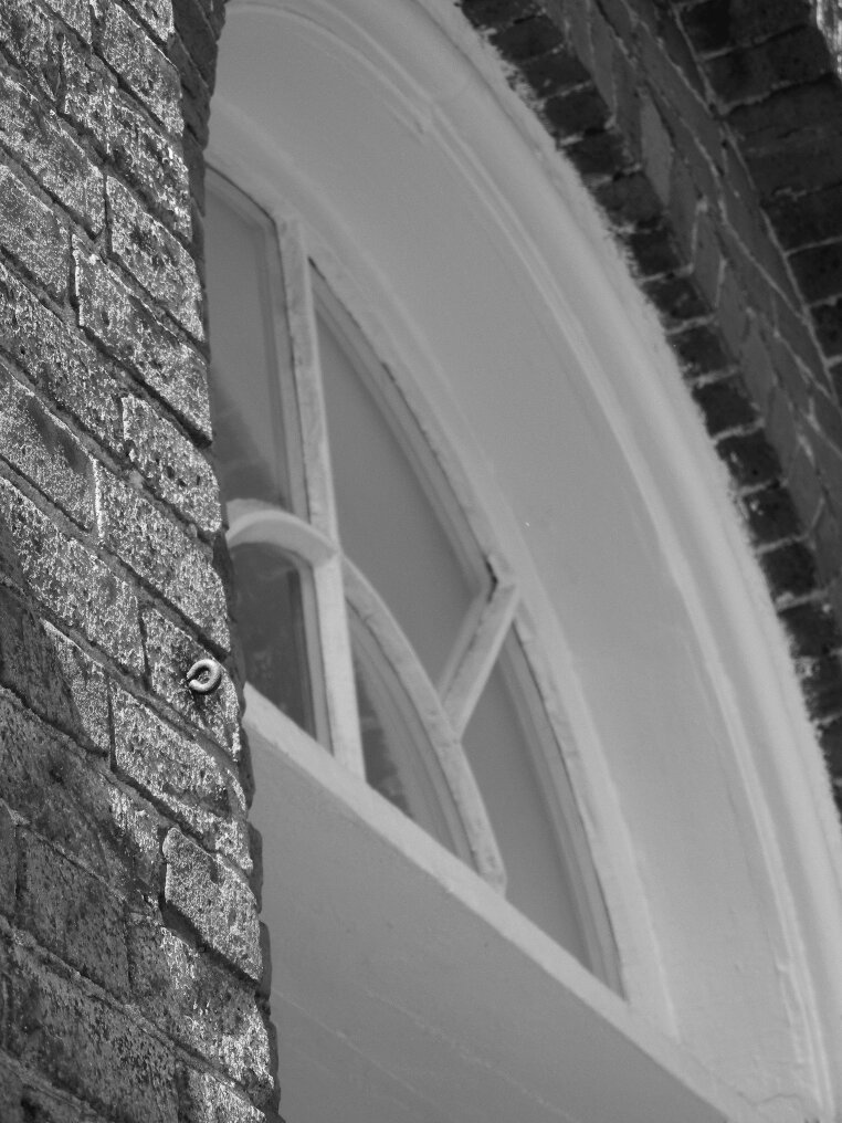 Window, window pane, arched window, brick, arched brick, Beacon Hill, Charles street meeting house