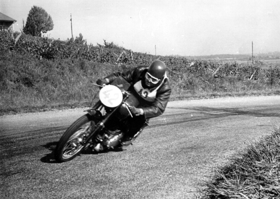Photo of Lucien Ducret racing his Gilera Saturno in Switzerland