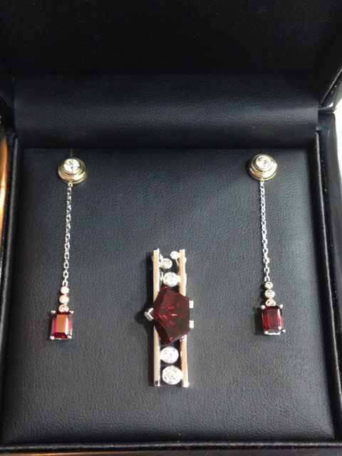 Craft-Revival Jewelers, unique pendant, unqiue necklace, garnet pendant, munstiener pendant