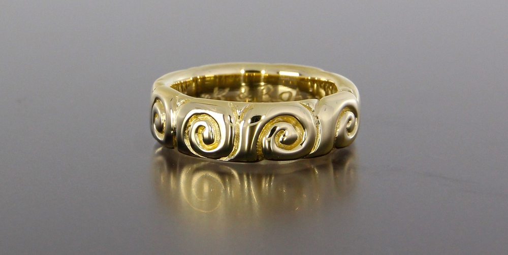 unique-mens-engraved-pattern-yellow-gold-wedding-band-craft-revival-jewelry-store-grand-rapids