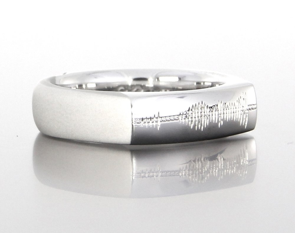 unique-gents-heartbeat-pattern-engraving-white-gold-wedding-band-craft-revival-jewelry-store-grand-rapids
