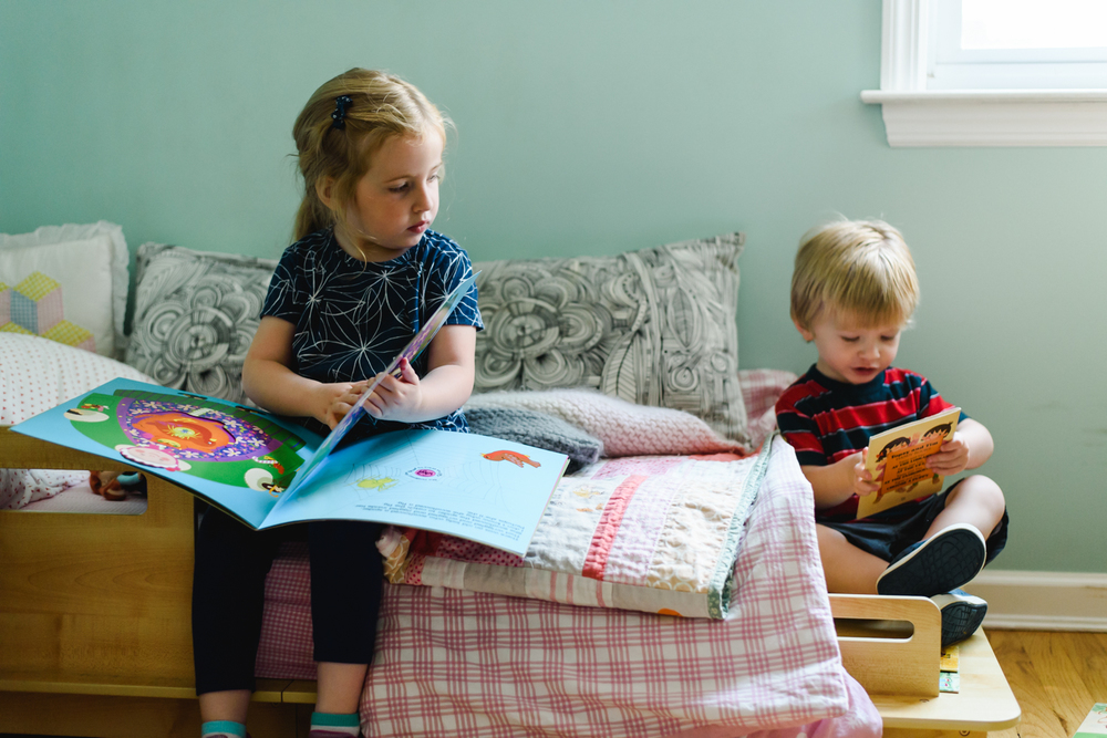 Francesca Russell Photography | Long Island Family Photographer | Kids reading books