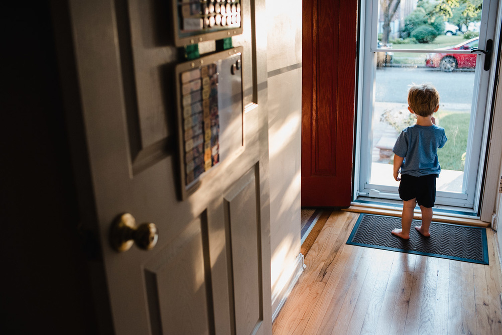 Francesca Russell Photography | Nassau County Family Photographer | Boy at door