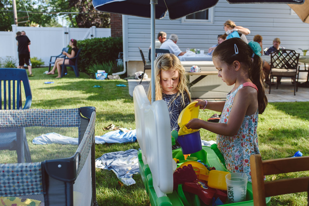 Francesca Russell Photography | Nassau County Family Photographer | Girls playing with the water table