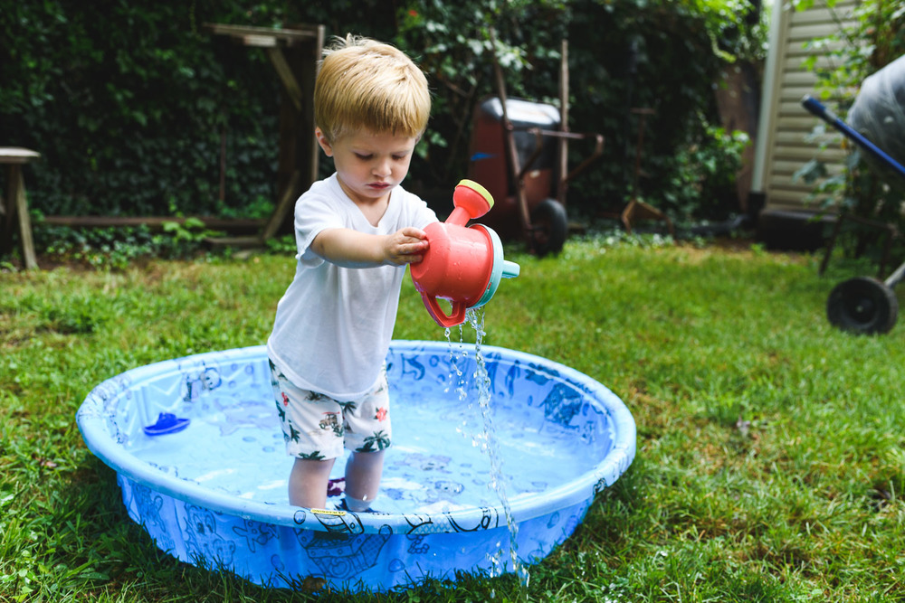Francesca Russell Photography | Garden City Family Photographer | Kiddie Pool