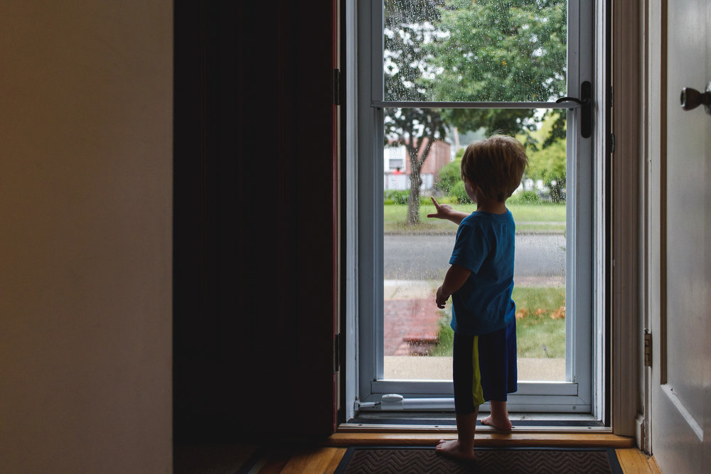 Francesca Russell Photography | Long Island Documentary Family Photographer | Logan at the front door