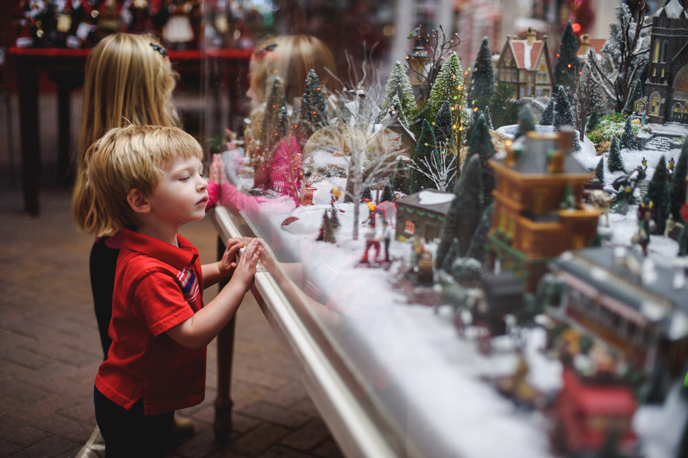 Francesca Russell Photography | Long Island Documentary Family Photographer | Watching holiday trains
