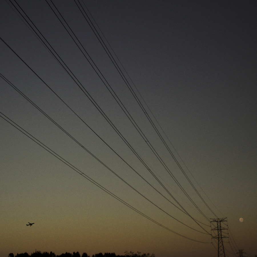 Simon-Portbury-Dawn-Wires-with-Aircraft.jpg