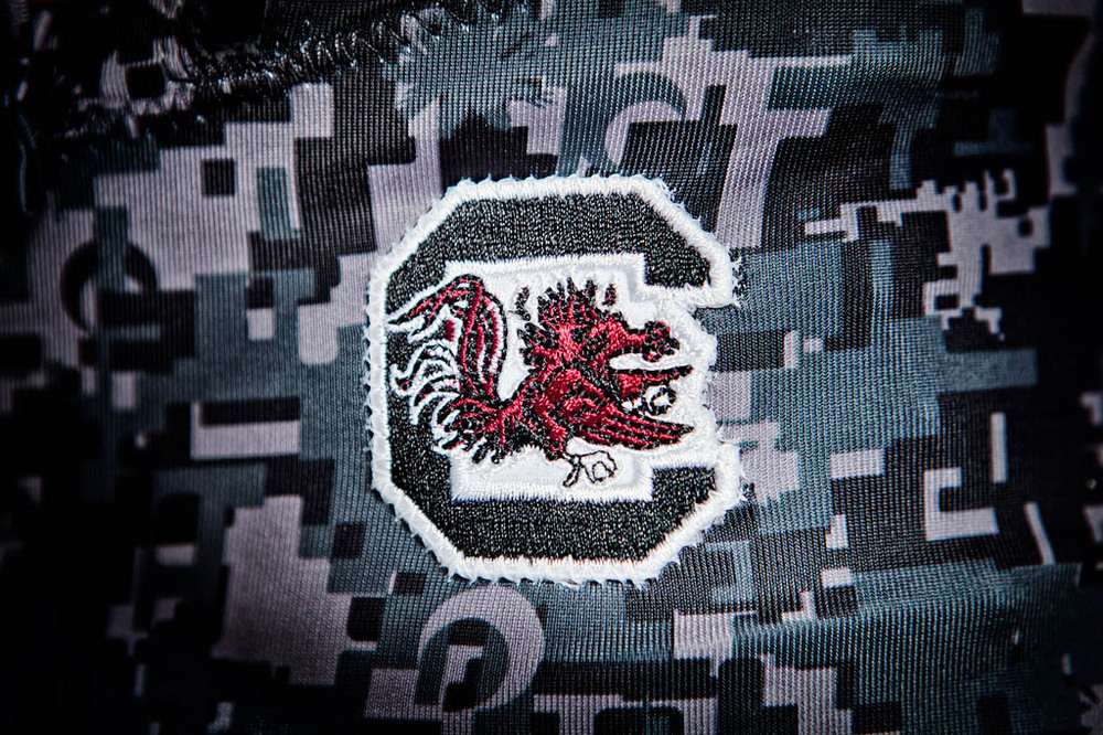SouthCarolina_Uniforms_BattleGray2012_07.jpg