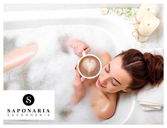 Wouldn't have rather been in a warm bath with a good coffee this morning? 🛁 Auriez-vous préféré être dans votre bain avec un bon café ce matin? #sweet #warmbath #idratherbehome #goodlife #love #savonneriesaponaria #relax #matinfrisquet #bubblebath #coffee