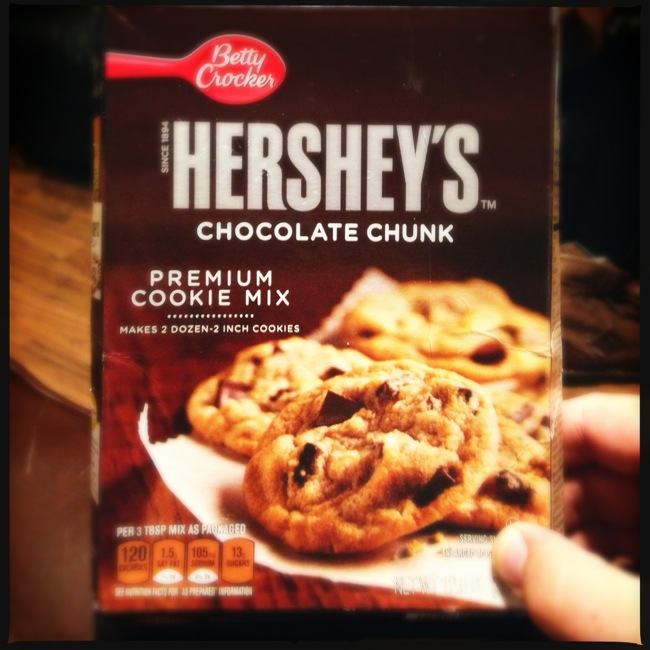 Hershey's has partnered with Betty Crocker to release a new chocolate chunk cookie that is worth a look for fast fresh cookies.