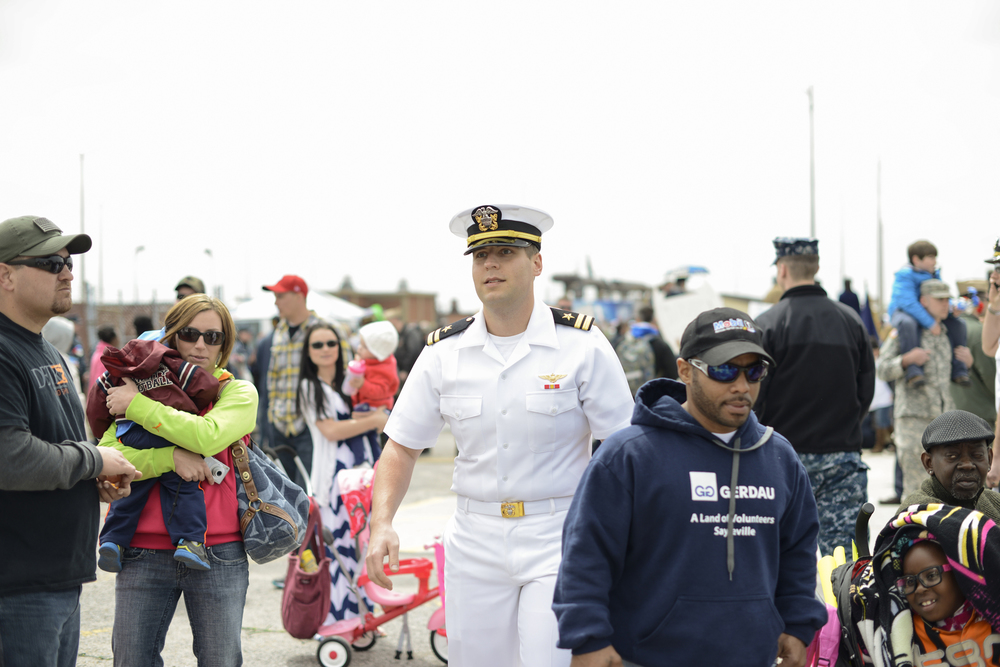 A husband returns from a 9 month deployment | USS Truman naval military homecoming | Maria Grace Photography