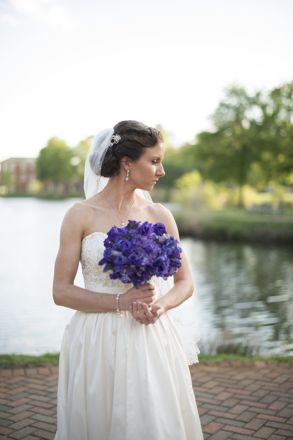 Bridal portrait overlooking the water | Maria Grace Photography