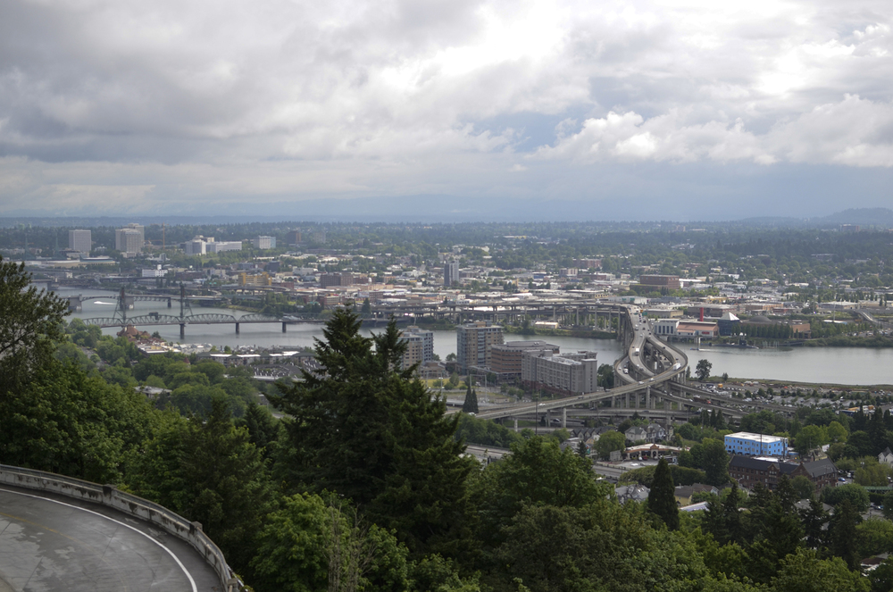 Stunning horizon view of Portland, Oregon, from the Portland Aerial Tram | Maria Grace Photography